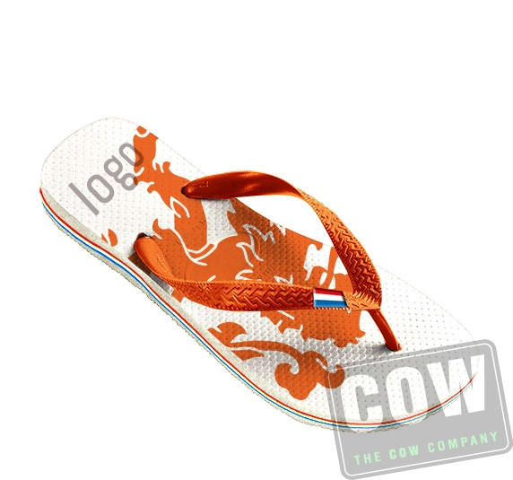 COW1231_slippers